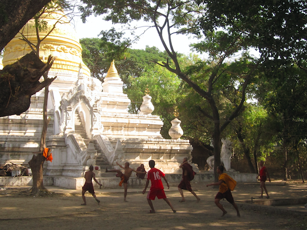 Myanmar highlights group tour