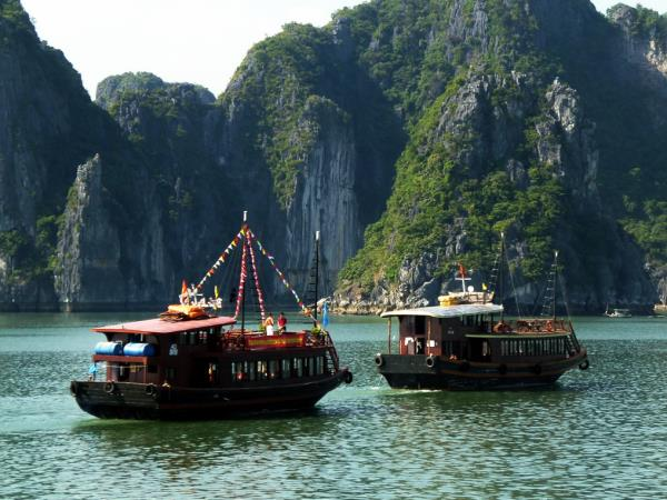 Hanoi to Da Nang tour in Vietnam
