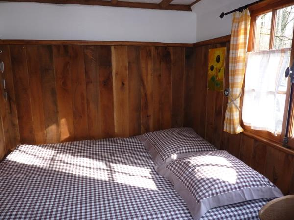 Dordogne self catering cabin sleeping 4