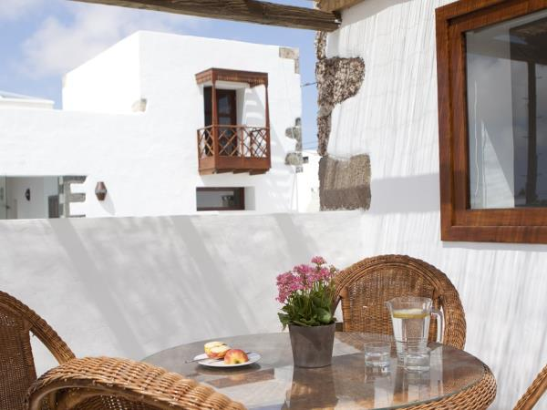 Lanzarote self catering apartments, Canary Islands