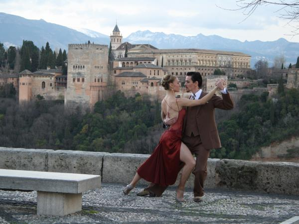 Learn Spanish & tango in Granada, Spain