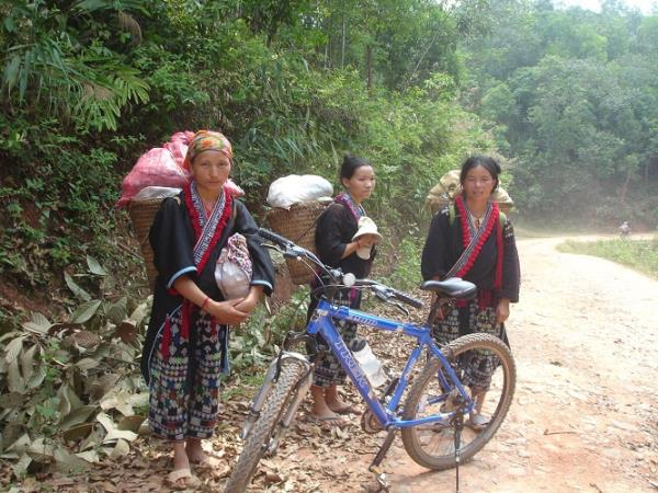 Vietnam diving & mountain biking adventure holiday