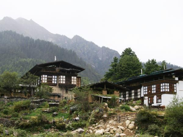 Bhutan culture & home stay tour