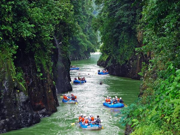 Costa Rica adventure holiday, jungle and beaches
