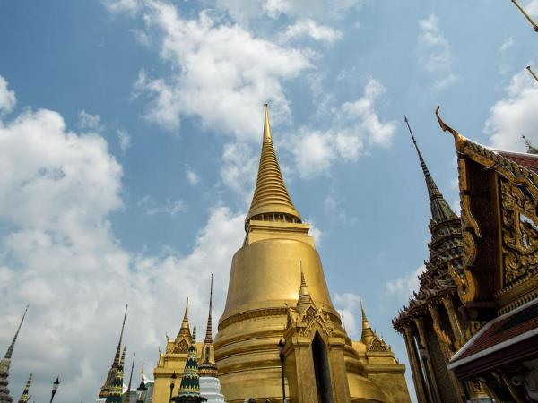 Budget tours to Laos and Thailand