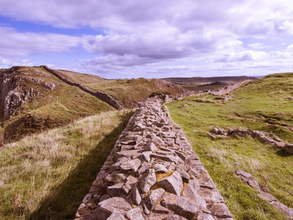 Edinburgh and Hadrian's Wall tour by train