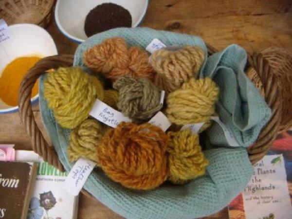 Scotland traditional crafts holiday, dye to hand spin