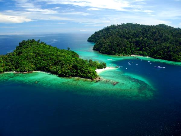 Wild Borneo holiday, private departure