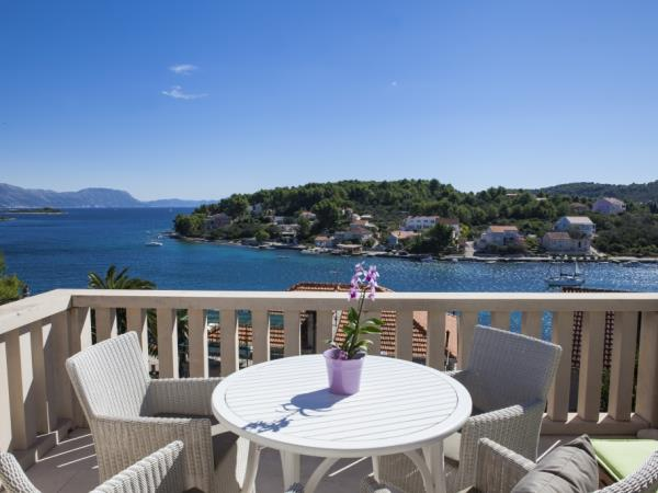Croatia sailing holiday, land based accommodation