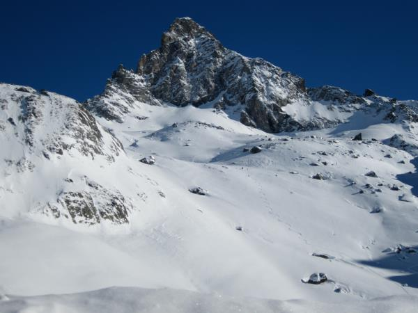 Ski touring holiday in the French Alps