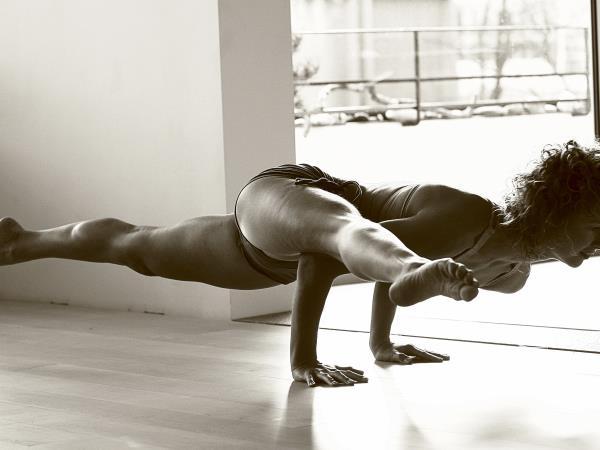 Portugal Vinyasa flow yoga retreat  Helping Dreamers Do