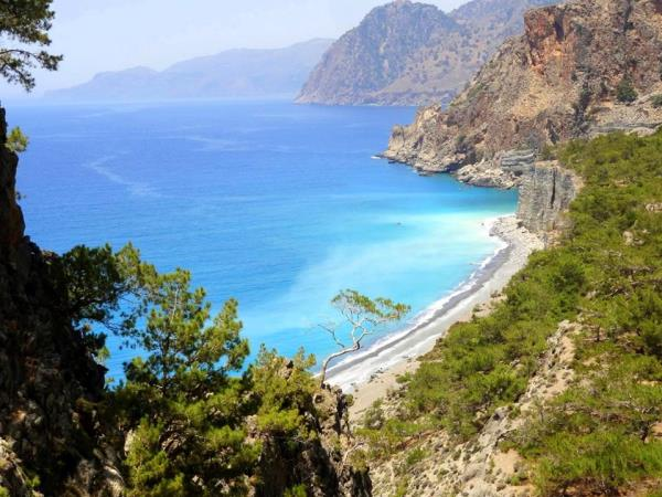 Greek Islands Walking holiday in West Crete & Santorini