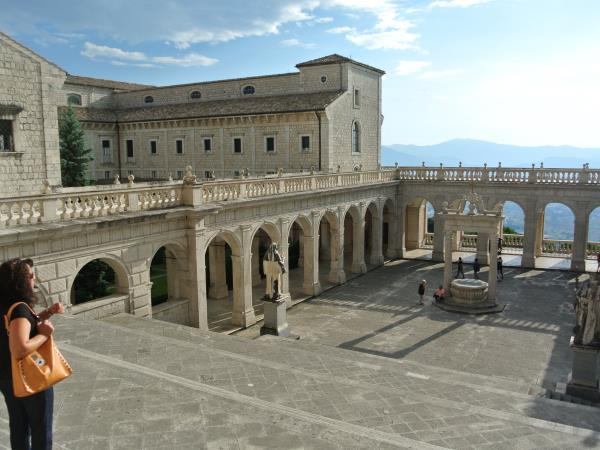 Italy tailor made cultural holiday, Lazio