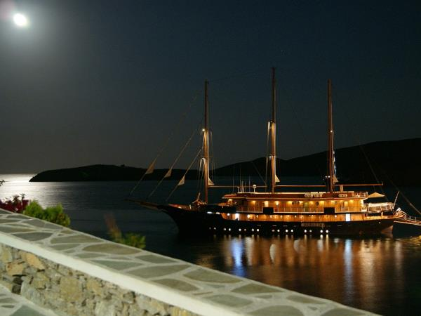 Greece small ship cruise, ancient sites of the Peloponnese
