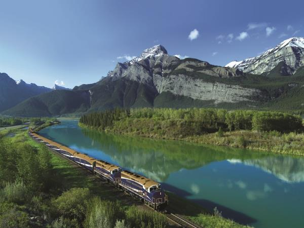 Rocky Mountaineer train, Vancouver to Banff
