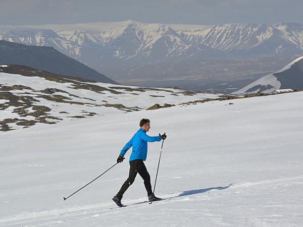 Cross country skiing in Iceland
