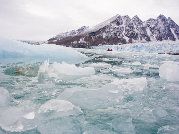 Arctic cruise holiday, Spitsbergen