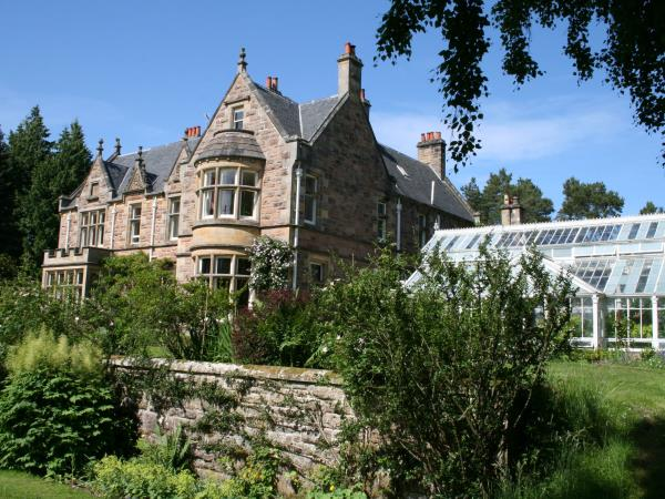 Mindfulness tailored retreats in Scotland