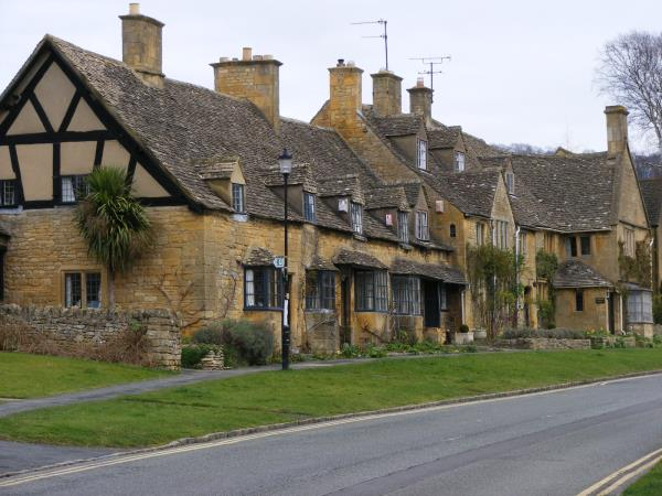Cotswolds Way self guided walking holiday, England