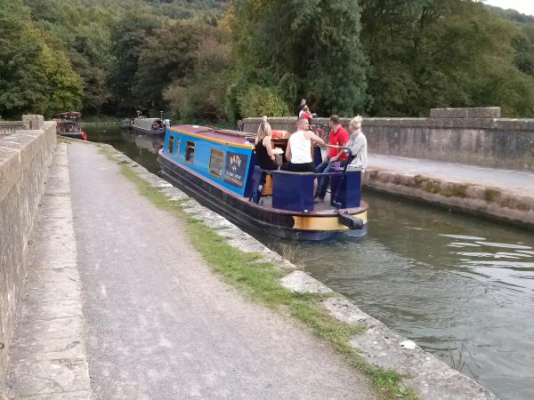 Kennet and Avon Canal Towpath walking holiday, England