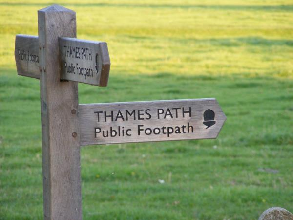 The Thames Path Source to Oxford walk, England