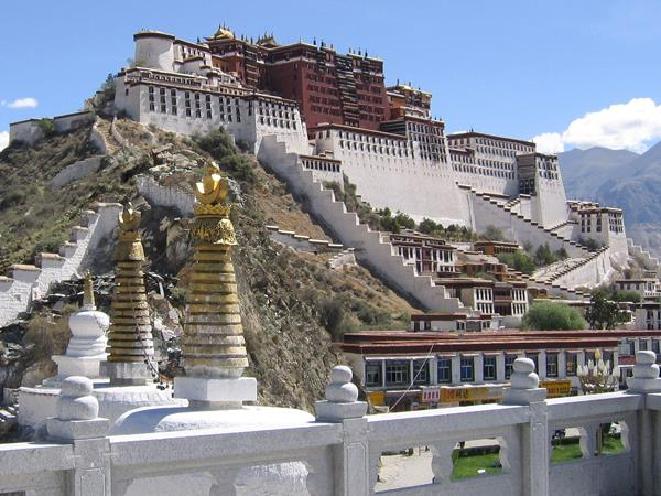 Yarlung Valley tour in Tibet
