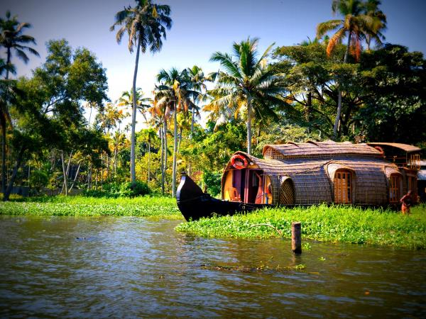 Spicelands of Kerala small group tour