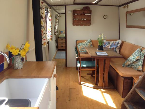 Houseboat holidays in Devon, England