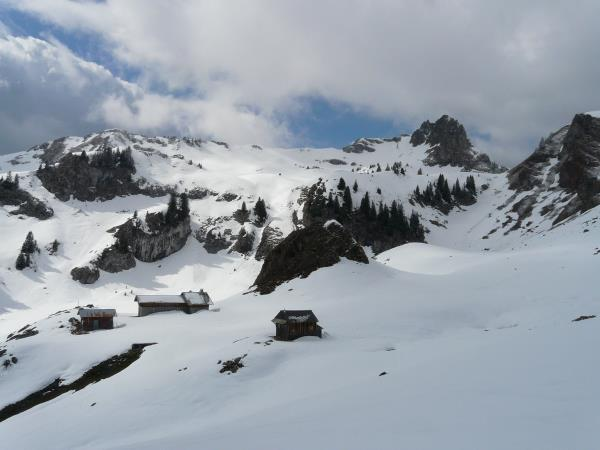 Snowshoeing holiday in the French Alps