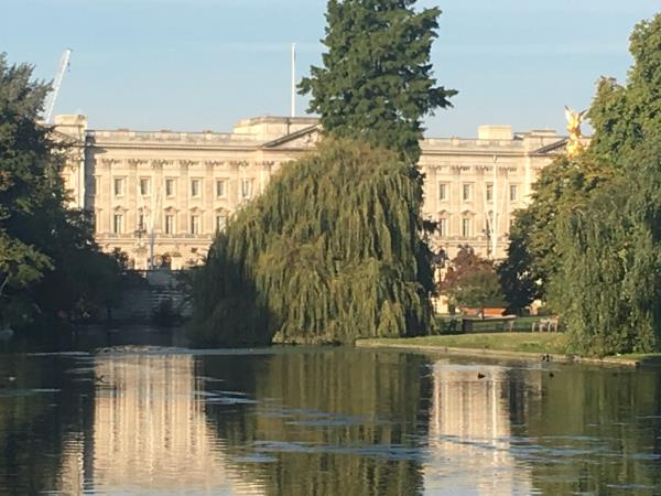 London walking tour, town and country, England