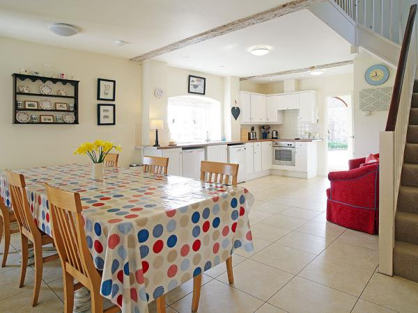 South Downs cottages, sleeps 6, England
