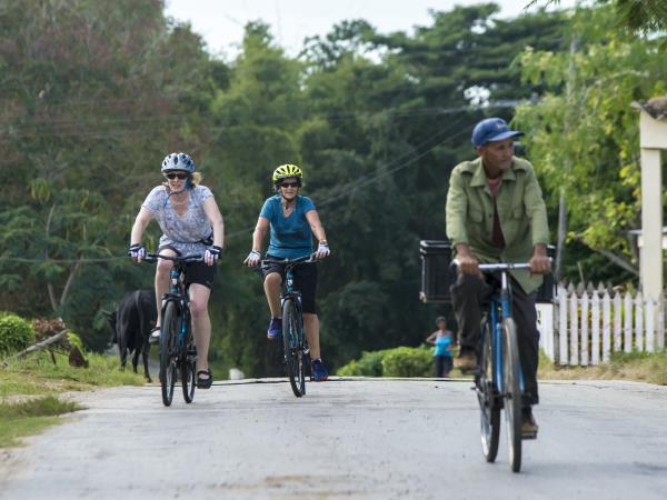 Skyline Trail cycling tour in Western Cuba