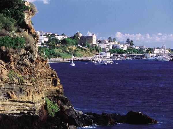 Yacht charter in Sicily Aeolian islands, families