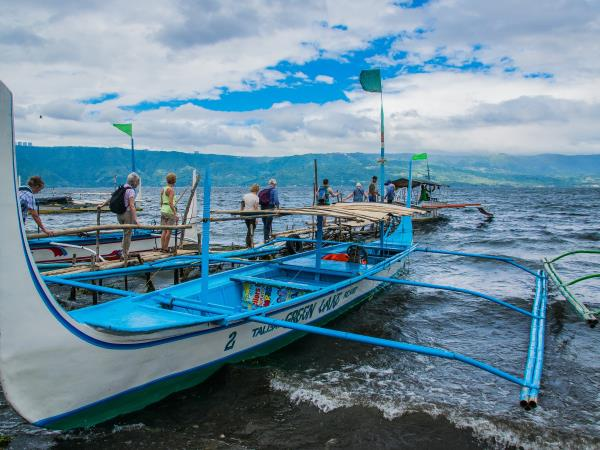 Philippines small group tour