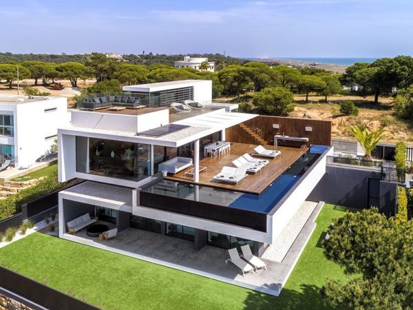 Vale do Lobo 5 Bedroom Villa in Portugal