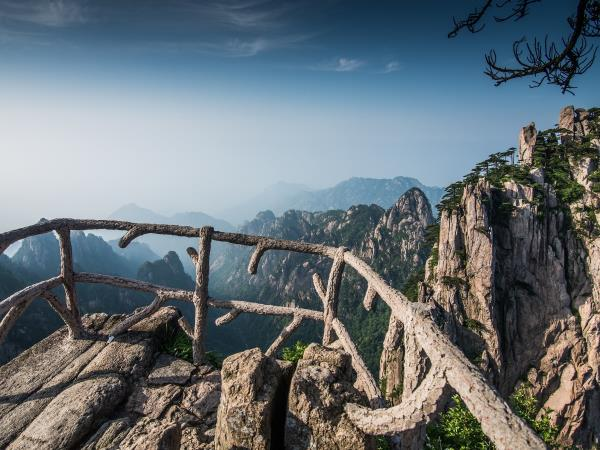 China small group tour: Land of Dragons and Emperors