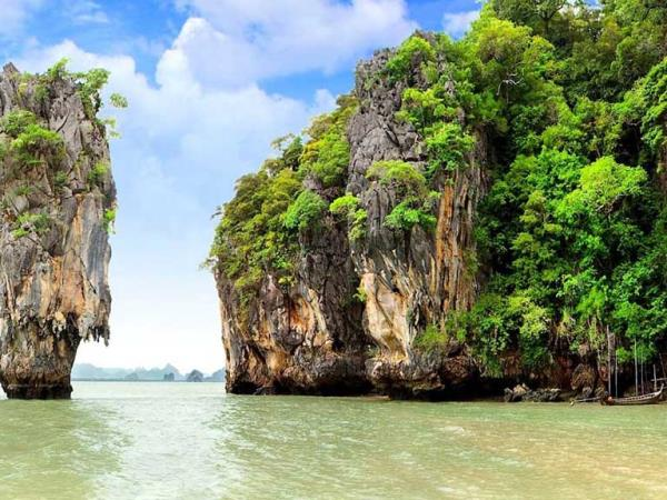 Yacht charter in Thailand, 8-12 people