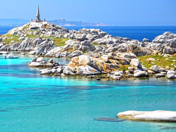 Yacht charter Sardinia to Corsica, families