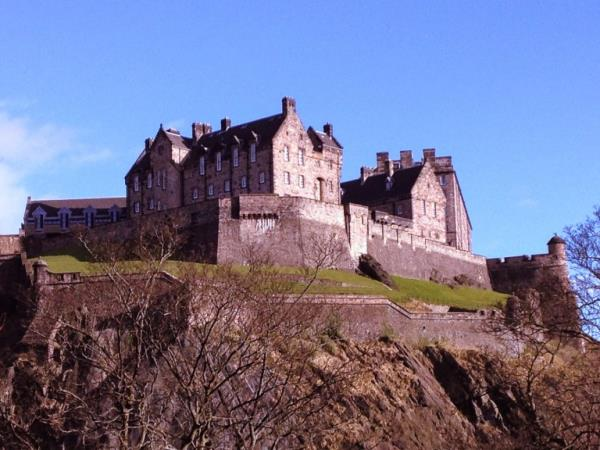 Scotland and England castles tour by train