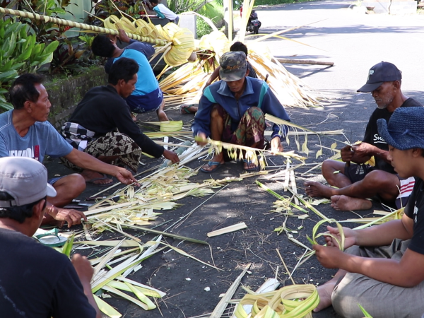 Indonesia volunteering with traditional Balinese culture