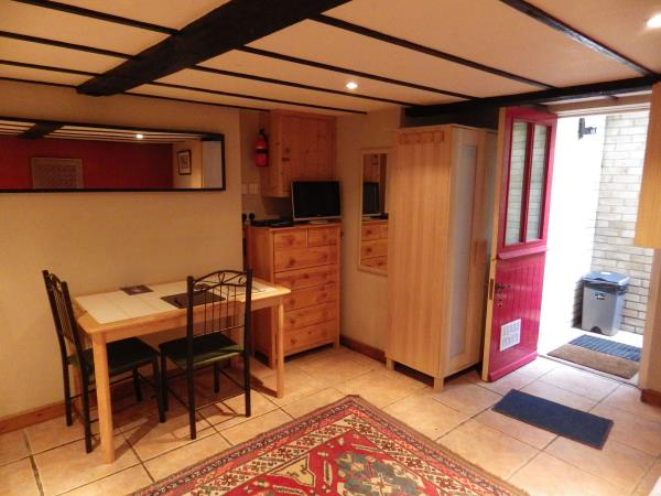 Abergavenny studio accommodation, Wales