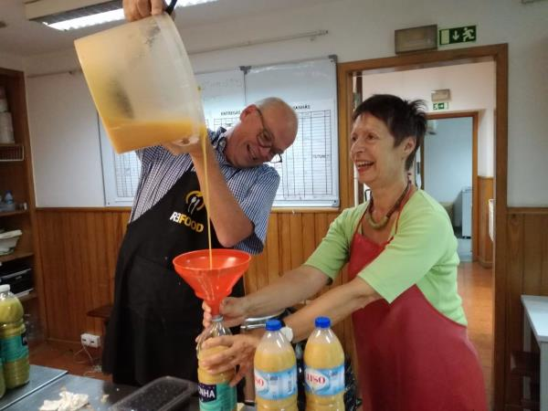 Volunteering in Portugal, fight food waste