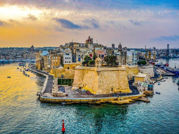 Sailing holiday from Malta to Sicily, and back