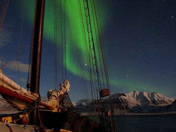 Northern lights sailing holiday in Norway