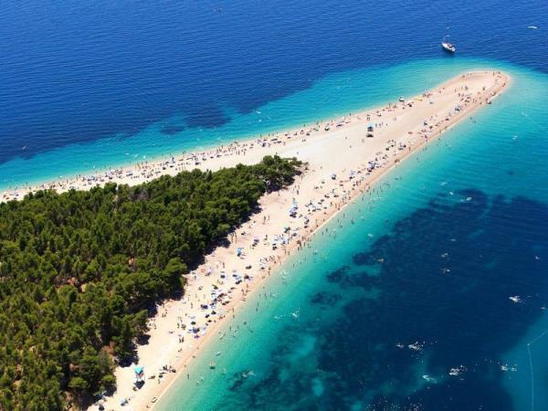 Croatia island hopping holiday