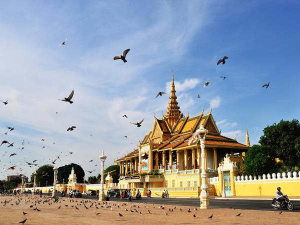 Cambodia highlights holiday, small group