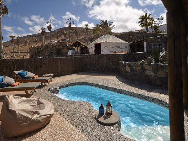 Lanzarote yurt holiday with pool