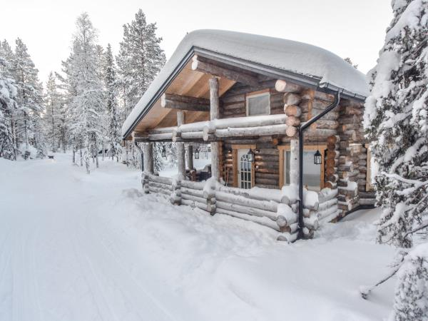 Log Cabin Christmas.Christmas In Finland Log Cabin Stay Helping Dreamers Do