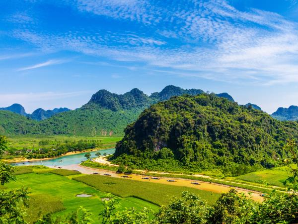 Vietnam highlights holiday