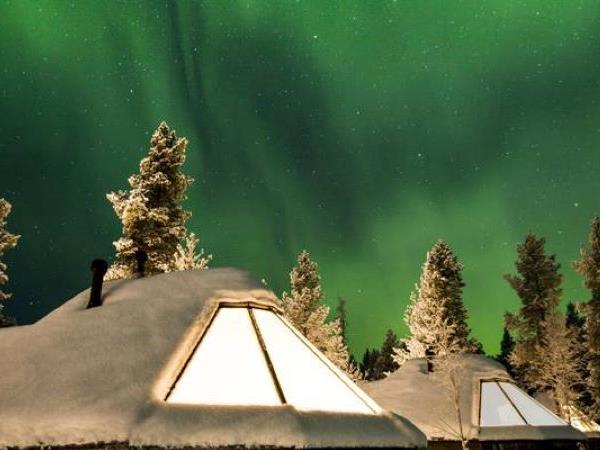 Lapland holidays with glass igloo stay & Northern Lights